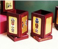 深圳筆筒直銷廠家樹脂紅木筆筒訂做批發