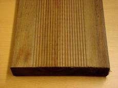 松樹類的防腐木木料好嗎